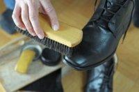Schuhcreme richtig auftragen: Tipps, Tricks & Anleitung