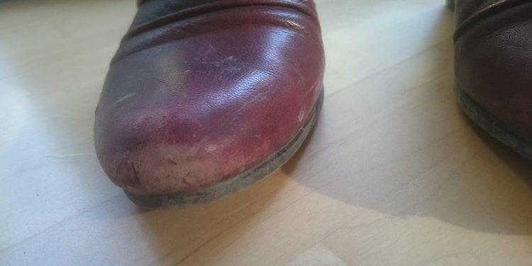Schuhcreme Burgol abgeriebenes Leder