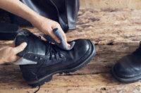 Schuhcreme entfernen: So bekommen Sie lästige Flecken wieder weg