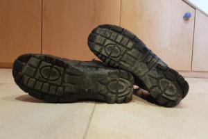 Schuhsohle reinigen und pflegen: Halten Sie die Unterseite sauber