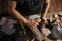 Hellbraune Lederschuhe reinigen, pflegen und eincremen