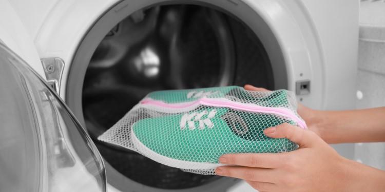 Schuhe waschen und reinigen